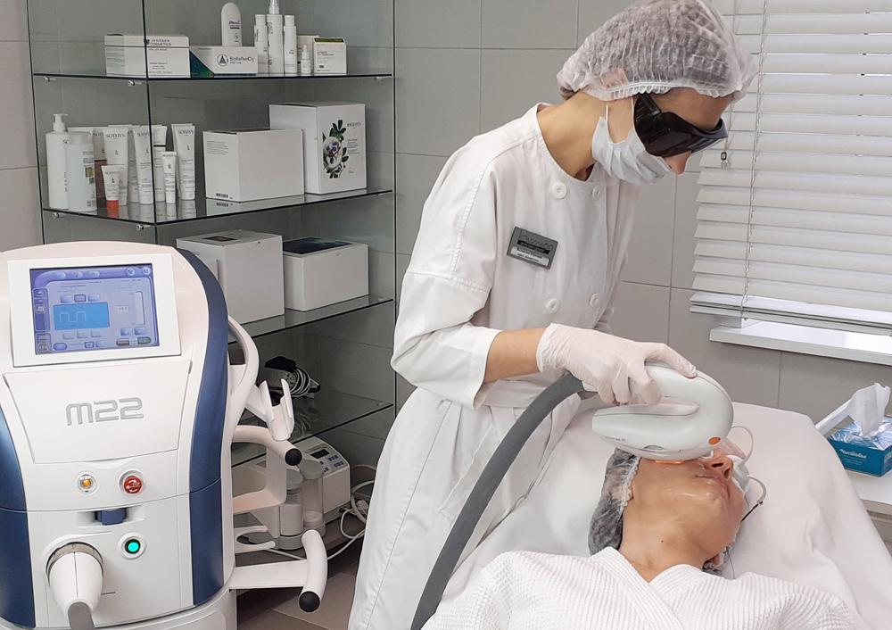Фототерапия у врача-косметолога